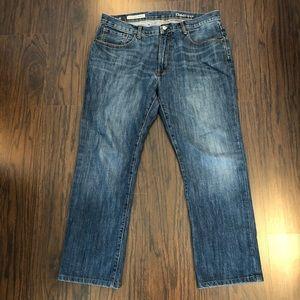 GAP 1969 Standard Jeans 36x32 (Actual 37x29.5)